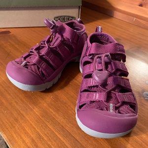 Keen Newport H2 Kids Size 9 - Brand New